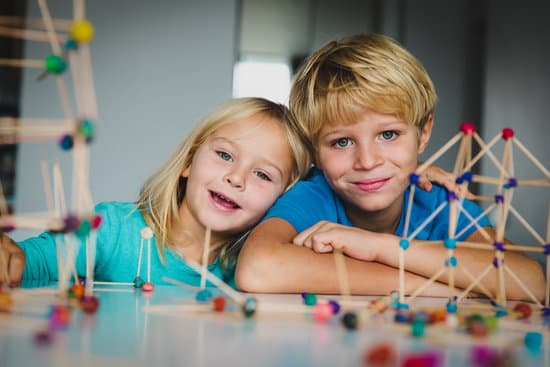 kids making geometric shapes, learning engineering and STEM